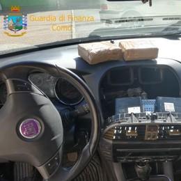 Un chilo di cocaina nell'autoradio Arrestato a Lomazzo