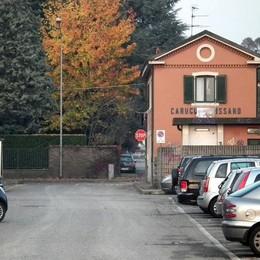 Carugo, tragedia in stazione Ragazzo morto sotto il treno
