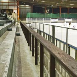 Palazzetto del ghiaccio  Si offrono 4 società  «Pronte a sistemarlo»
