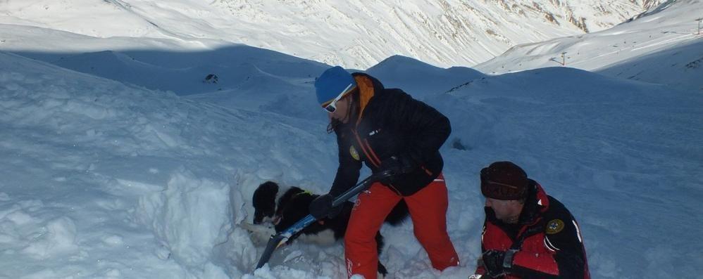 Valanga a Livigno  Morto uno sciatore