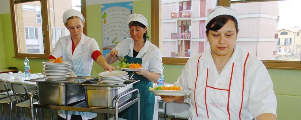 Mense a scuola, cosa cambia  «Prodotti a chilometro zero  e controllo qualità dei piatti»