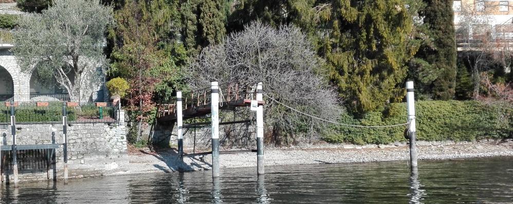 Il lago sempre più basso  Ecco i danni alle sponde