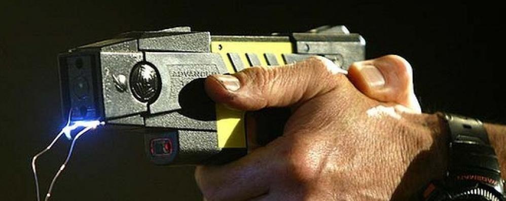 Polizia: ecco la pistola elettrica  Al via la sperimentazione del Taser