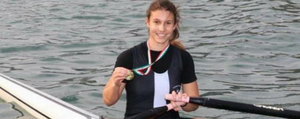 Canottaggio giovani a Genova  Festival di medaglie lariane  sulle acque di Genova