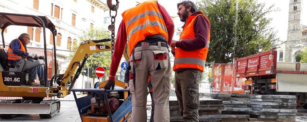 """Cantù, """"pilomat"""" anti-terrorismo  Piazza Garibaldi, addio transenne"""