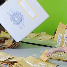 Elezioni, caos ai seggi di Como  Fino a un'ora di attesa per votare Colpa del tagliando antifrode
