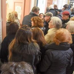Elezioni, caos ai seggi di Como  Fino a un'ora di attesa per votare Alle 12 ha votato un comasco su 5