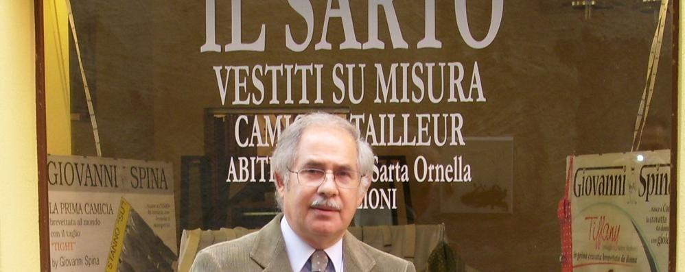 Il sarto di Porlezza sfida Armani  «Quella cravatta l'ho creata io»