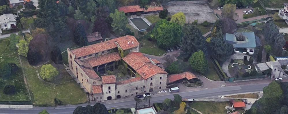 Una perizia sul Castello di Pomerio  Il Comune di Erba è pronto a venderlo