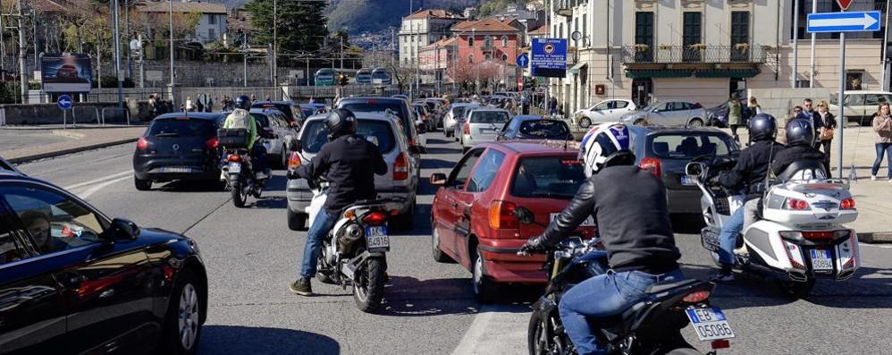 Como, martedì cantiere  in piazza del Popolo