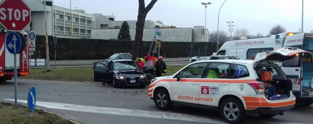 Code a Grandate  Altro incidente alla rotonda