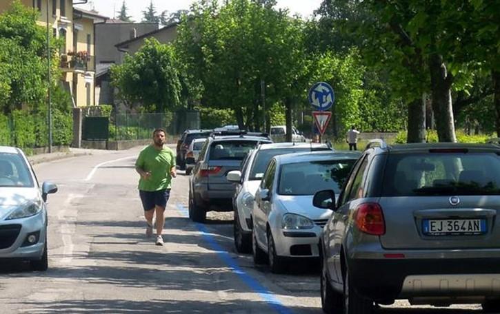 Segrino, passeggiate con i ladri  Furti nelle automobili parcheggiate