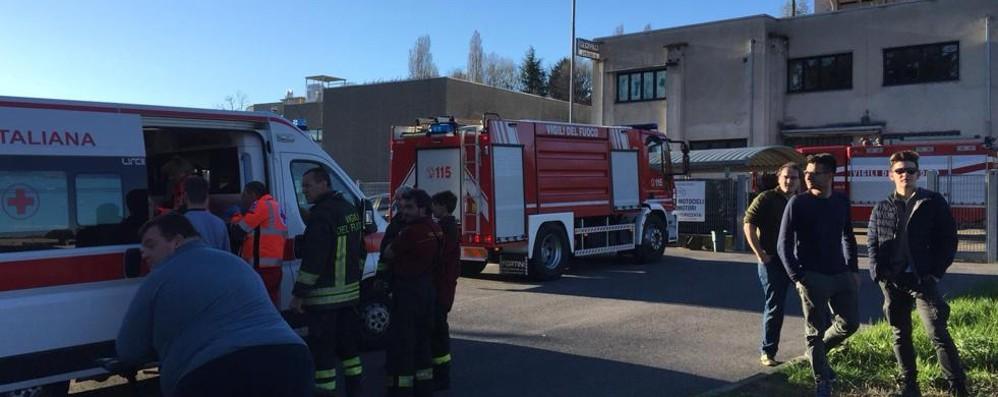 Villa Guardia: sei intossicati  per un incendio