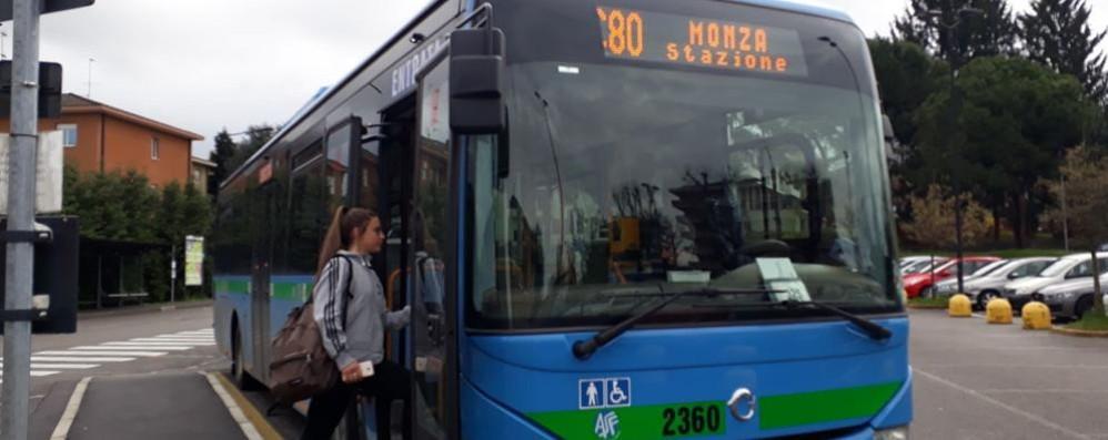 Bus per la stazione e Monza  L'ira dei pendolari di Cantù