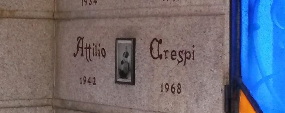 Appiano: misterioso raid al cimitero  Aperta la bara di un ex parroco