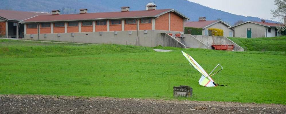 Cade un deltaplano a Lora Ferito il pilota, trasportato al Sant'Anna