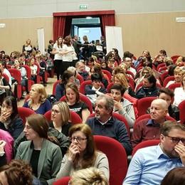 Albavilla, lezione anti soffocamento  Presenti in 300 al teatro della Rosa
