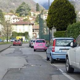 Erba, strade ridotte a groviera  «Soldi solo per qualche rattoppo»
