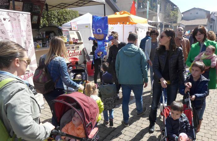 In via Diaz è allestita l'area street food che sta ottenendo grande successo
