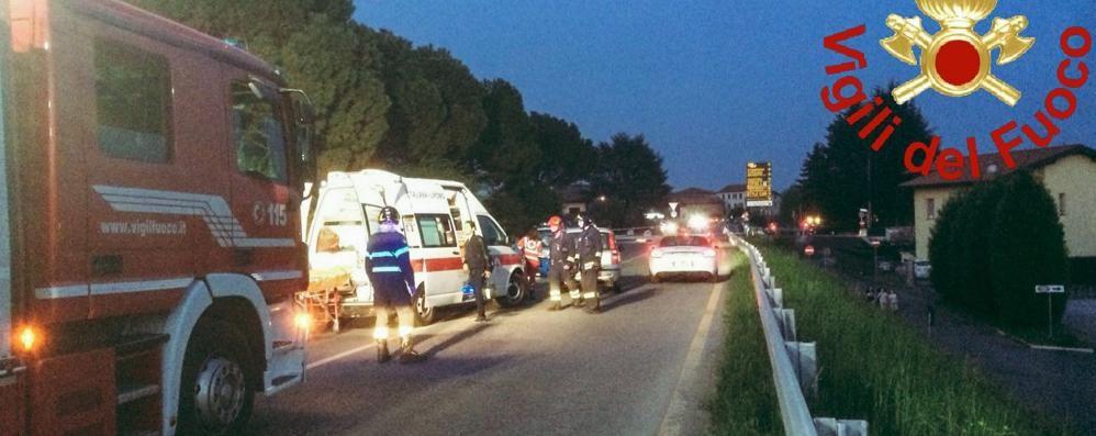 Frontale ad Albese Due feriti e traffico deviato