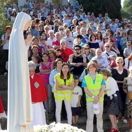 La Madonna di Fatima a Inverigo  Centinaia per l'arrivo in elicottero