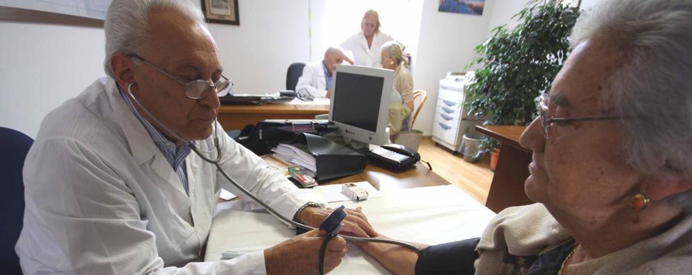 Como: mancano 40  medici di famiglia  «Sempre peggio»