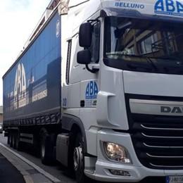 Strada riaperta, tornano i Tir  «Cantù assediata dai camion»