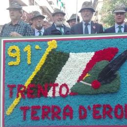 Adunata alpina di Trento  Duemila penne nere da Como