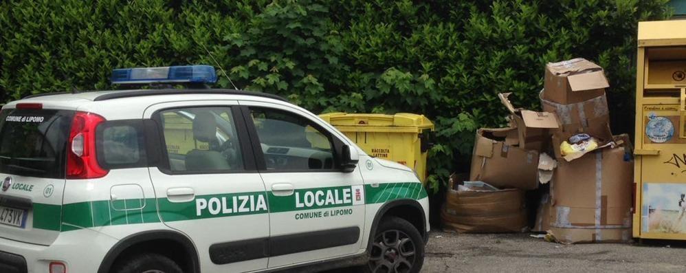Lipomo: abbandona i rifiuti  Identificato con le telecamere