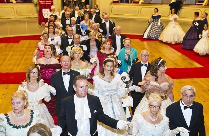 Teatro Sociale  Gran Ballo dell'800 sul lago di Como  a cura della Compagnia Nazionale di Danza Storica