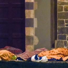 Senzatetto a S. Francesco  «Il Comune apra l'ex chiesa»
