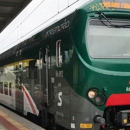 In trenta senza biglietto  Treno soppresso a Merone