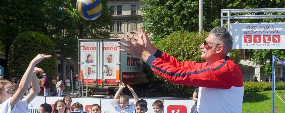 Seicento bambini in piazza  con i quattro campionissimi