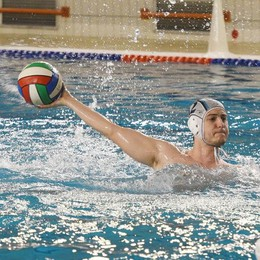 Como Nuoto: il saluto migliore Gol, giovani e tanto spettacolo