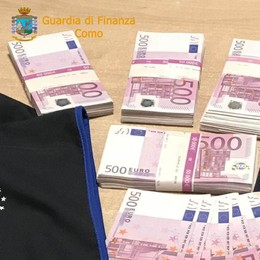In auto 250.000 euro  Denunciato per riciclaggio