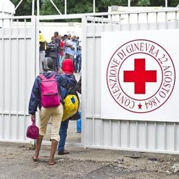 Como, alta tensione  al centro migranti