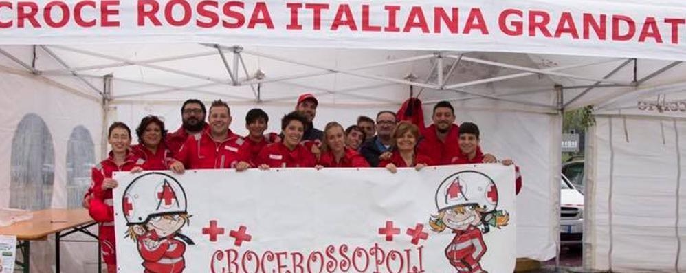 Grandate, la Croce Rossa   alza bandiera bianca