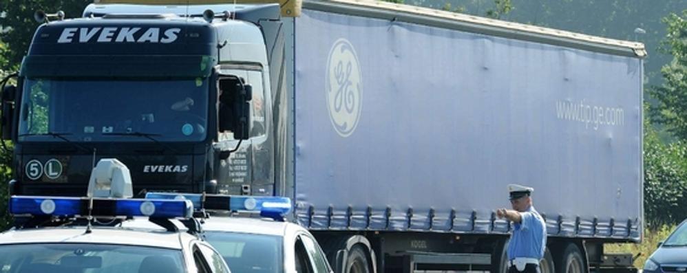 «Serve un posteggio per i Tir»  I sindaci: «Meglio a Lomazzo»