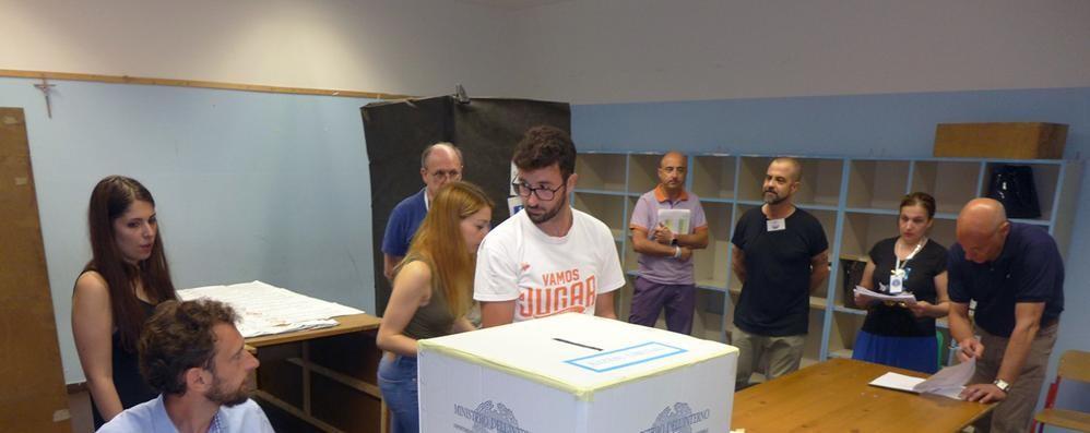 Cassina, Carugo e Sorico  Non c'è il sindaco  Comunali, affluenza in calo  Alle 23  è del 52,58%