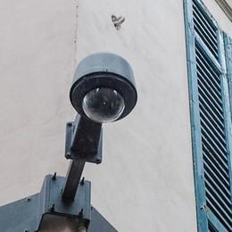 Como, le telecamere del Comune?  Non servono, come sempre