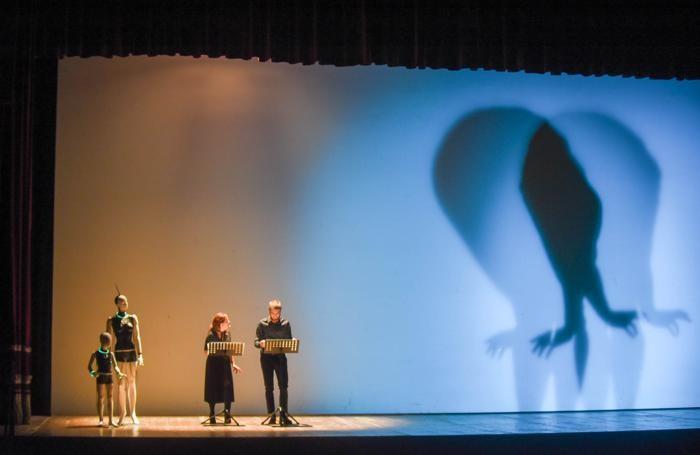 Como Prima e dopo Apple chi sono i padroni del mondo con Antonio Bosio e Alberto Puliafito (giovane), modera DIego Minonzio, Teatro Sociale Primavere de La Provincia, lettura teatrale tratta da Frankenstein