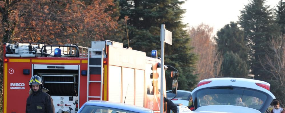 Scontro tra auto a Capiago  Feriti i due conducenti