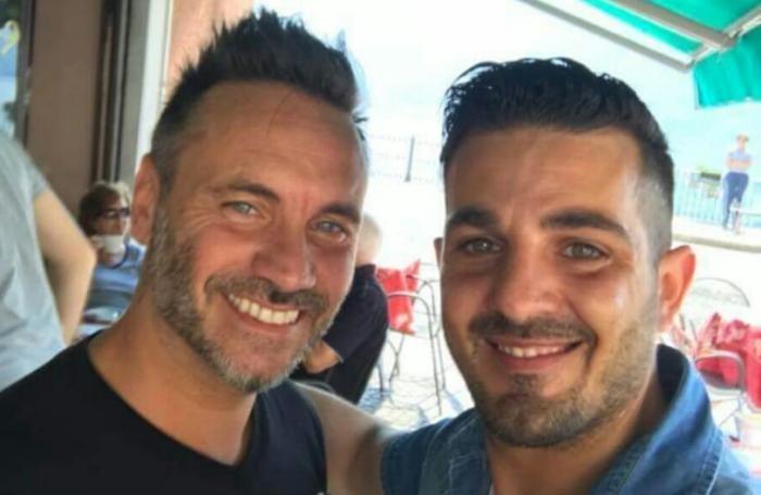 Alberto De Lucia non ha perso l'occasione di scattare una foto ricordo con Nek ad Argegno
