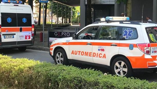 Erba, lite in stazione Arriva l'ambulanza
