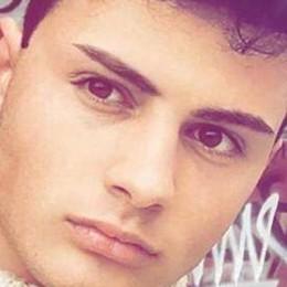 Ragazzo morto in moto  Domani l'ultimo saluto a Lorenzo