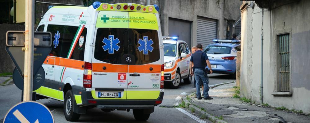 Spara a un passante e fugge in moto Paura a Monte Olimpino