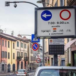 Idea choc per la Napoleona  «Una corsia riservata ai bus»