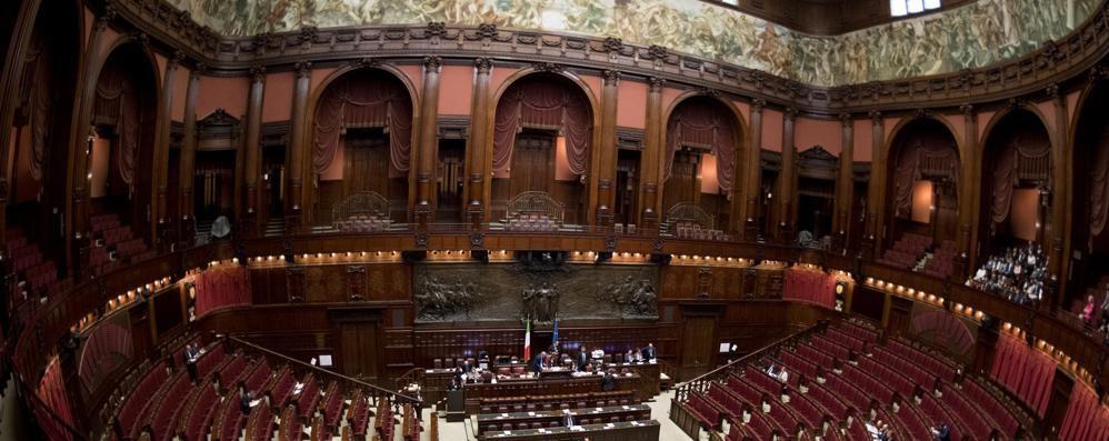 Vitalizi, scure dei grillini su otto ex deputati  C'è chi perde anche 7mila euro