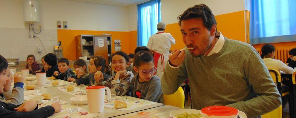 Cantù, la mensa torna a 5,50 euro a pasto  «Che brutto regalo per le famiglie»