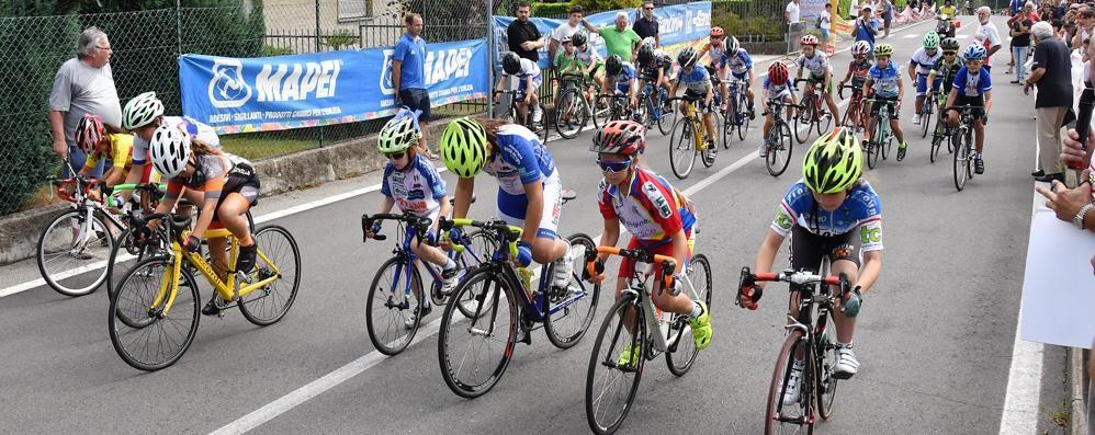 Biciclette stasera in città a Cantù Con le gare dei Giovanissimi